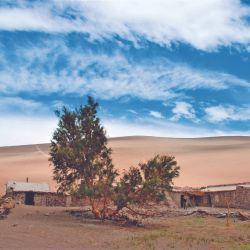 Antiguo puesto de Oro Huasi, a orillas del Salar de Antofalla, hoy abandonado. Como Las Quinuas, pertenece a los Alancay, familia que habita estos desolados parajes desde hace generaciones