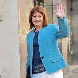 Patricia Bullrich entra a la sede del PRO. | Foto:Marcelo Escayola.