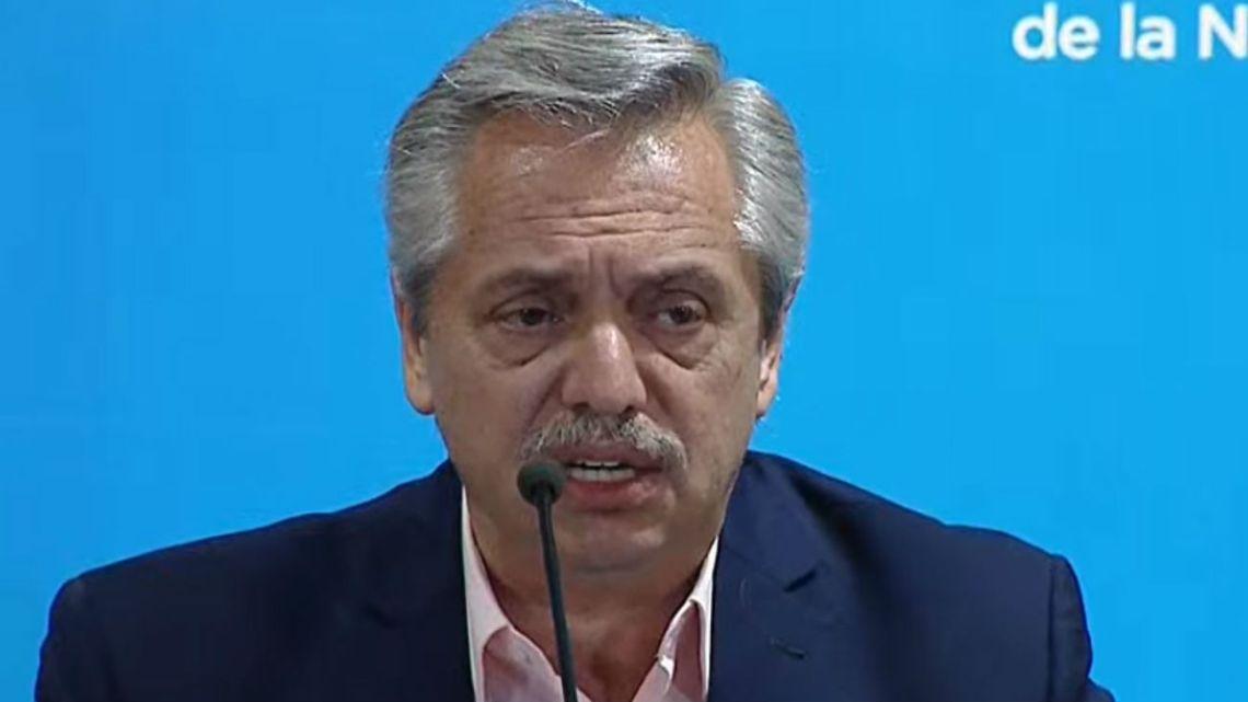 """Alberto Fernández, sobre el fútbol: """"No veo inconvenientes en que se juegue a puertas cerradas"""""""