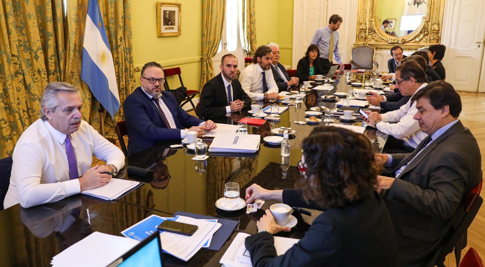 Coronavirus: tras una reunión de 5 horas, el Gobierno anuncia nuevas medidas