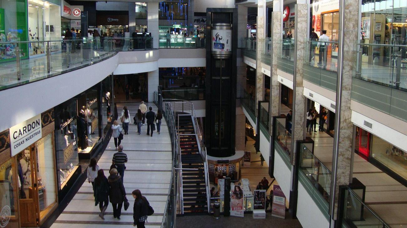 El shopping Alto Palermo, uno de los tres en los que hubo protestas y cacerolazos por el coronavirus.