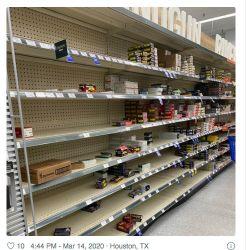 Mientras en la Argentina la cola es en los supermercados, en los Estados Unidos el desabastecimiento es en las armerías.