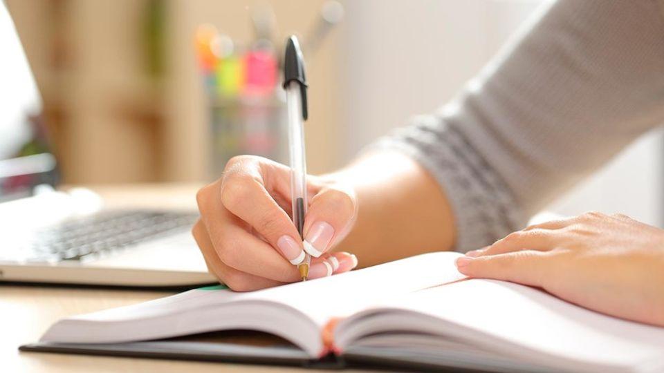 Para hacer en cuarentena: la escritura automática, un método que activa el subconsciente