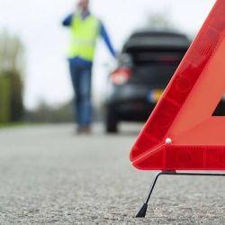 Las balizas triángulo deben colocarse a no menos de 100 m del accidente para darle tiempo a otros conductores a que nos vean