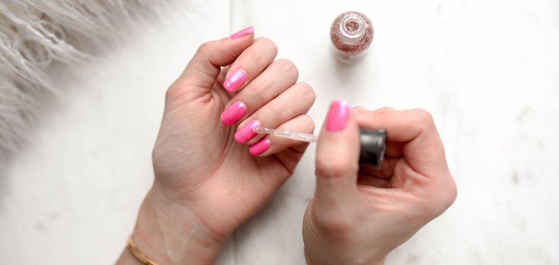 Coronavirus: por qué no se recomienda llevar las uñas esmaltadas