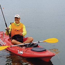 En kayak también es posible la pesca en alguno de ellos.
