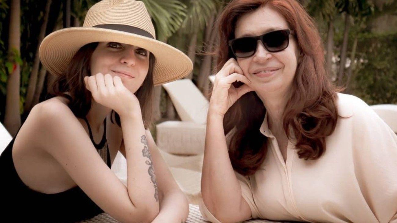 Florencia y Cristina Kirchner.