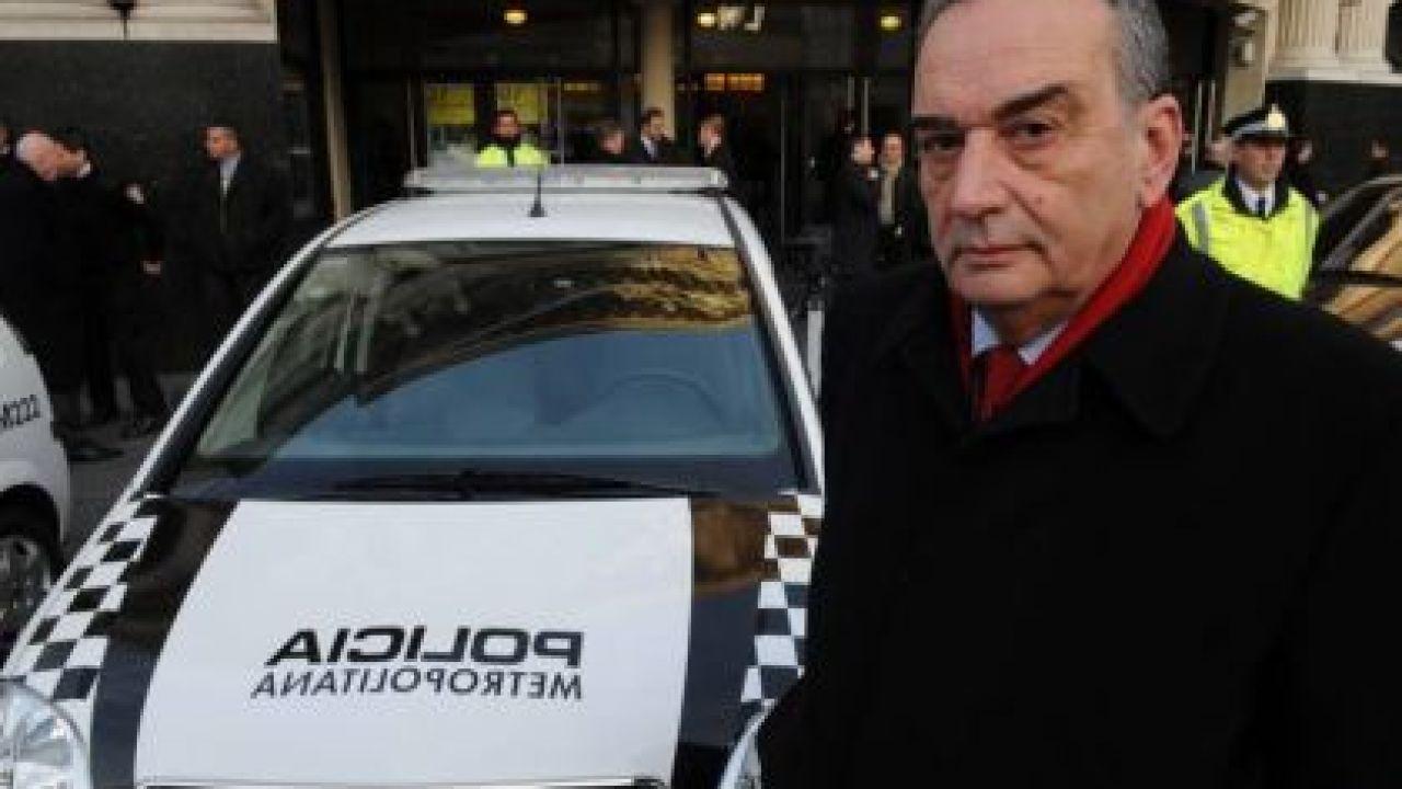 """""""Fino"""" Palacios al frente de la Policía Metropolitana.   Foto:CEDOC."""