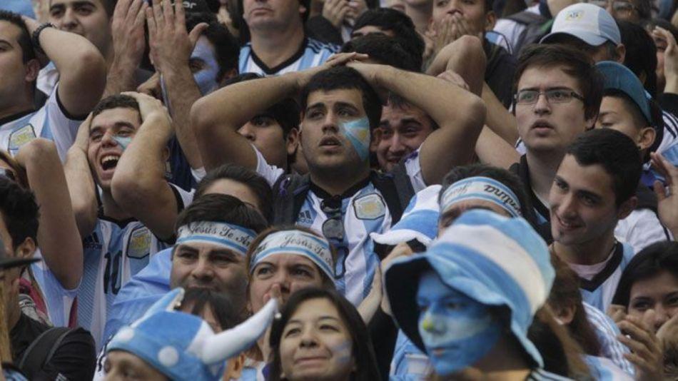 Los argentinos siguen por encima de la media en el ranking de los países más felices, pero pierden posiciones.