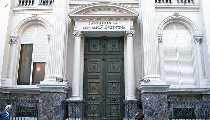 Emisión. Como todo el mundo, Economía echa mano del Banco Central en la crisis.