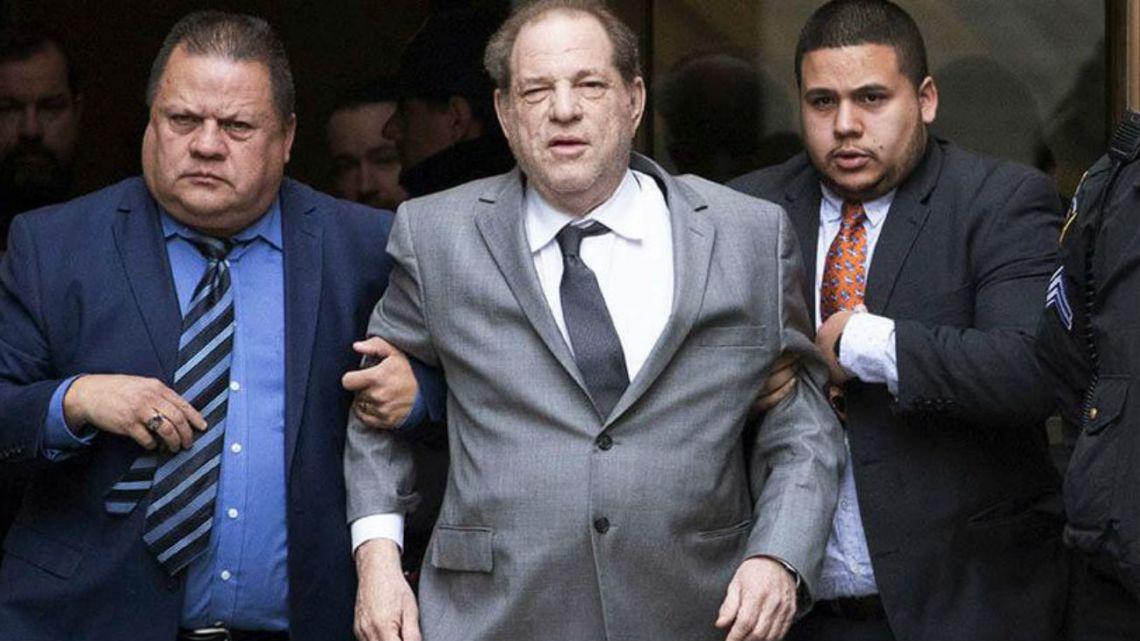 Harvey Weinstein dio positivo al covid-19