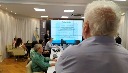 Ginés González García monitoreando en el Ministerio de Salud la situación del coronavirus