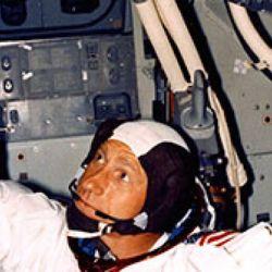 El astronauta Al Worden aconseja llevarse bien con sus compañeros.