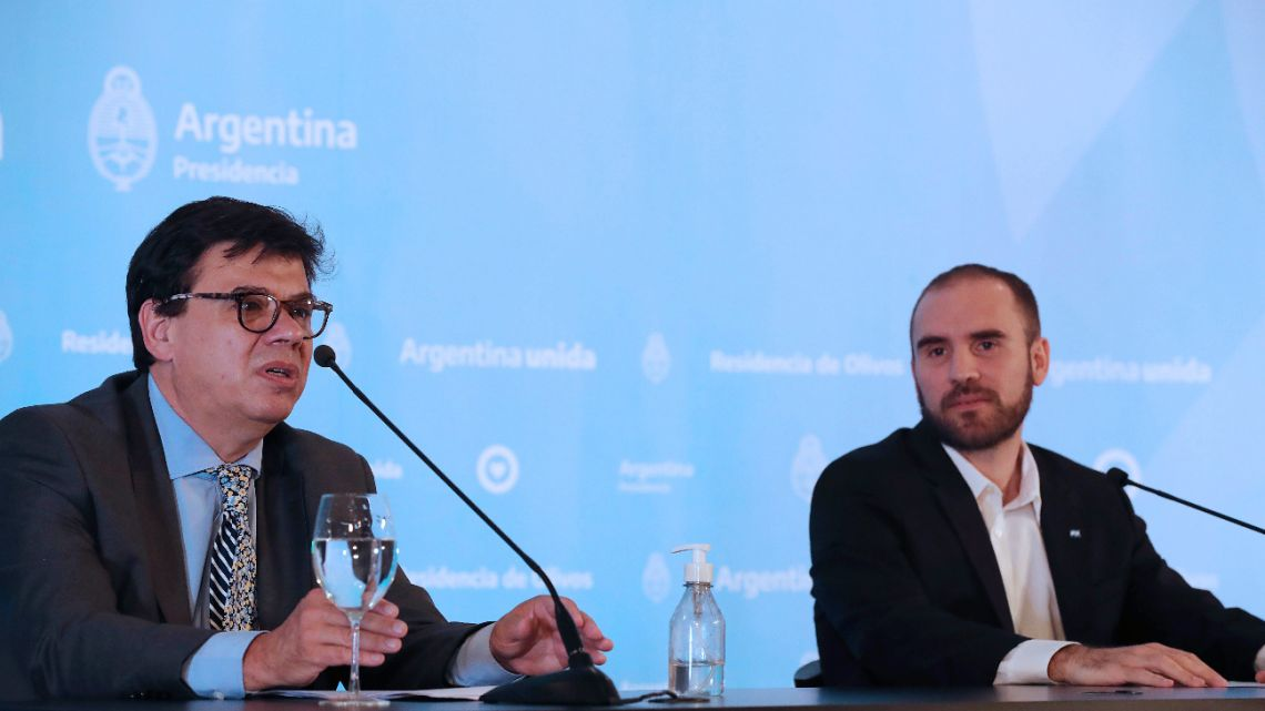 Press conference at the Olivos residence of the Ministers of Economy, Martín Guzmán, and Labor, Claudio Moroni on Monday, March 23, 2020.