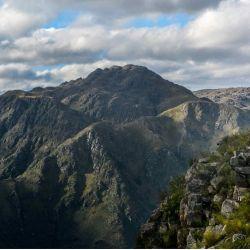 El cerro Uritorco, sitio de peregrinación esotérica, también se puede visitar desde casa.