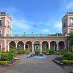 El precioso Palacio San José y sus alrededores bien valen una visita virtual.