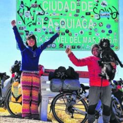 Antonella y Renzo partieron de Zapala, Neuquén, y llegaron en bicicleta hasta Colombia.
