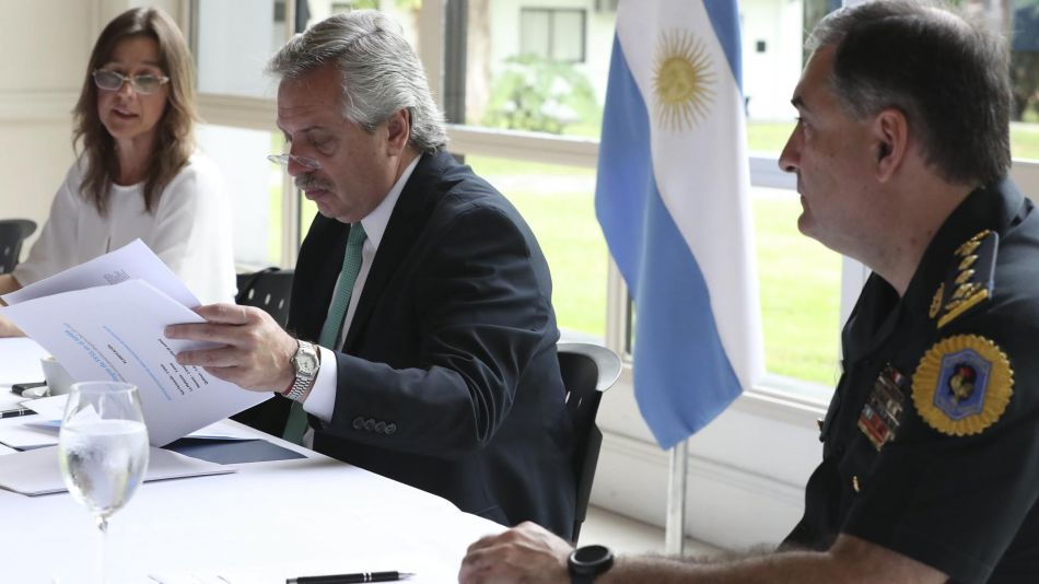 El presidente Alberto Fernández, la ministra Sabina Frederic y Seguridad 20200325
