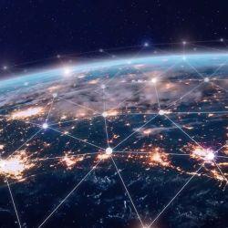 El GPS es extremadamente vulnerable a una interrupción deliberada o un ataque, debido al uso de satélites y la transmisión de datos.