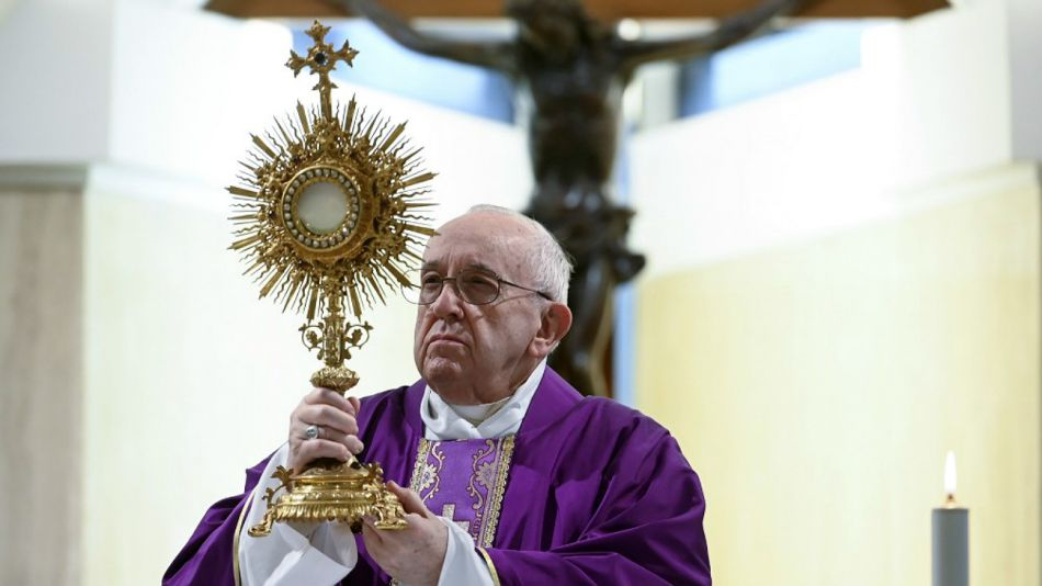 El Papa Francisco, este jueves 26 de marzo, en la Capilla de Santa Marta.