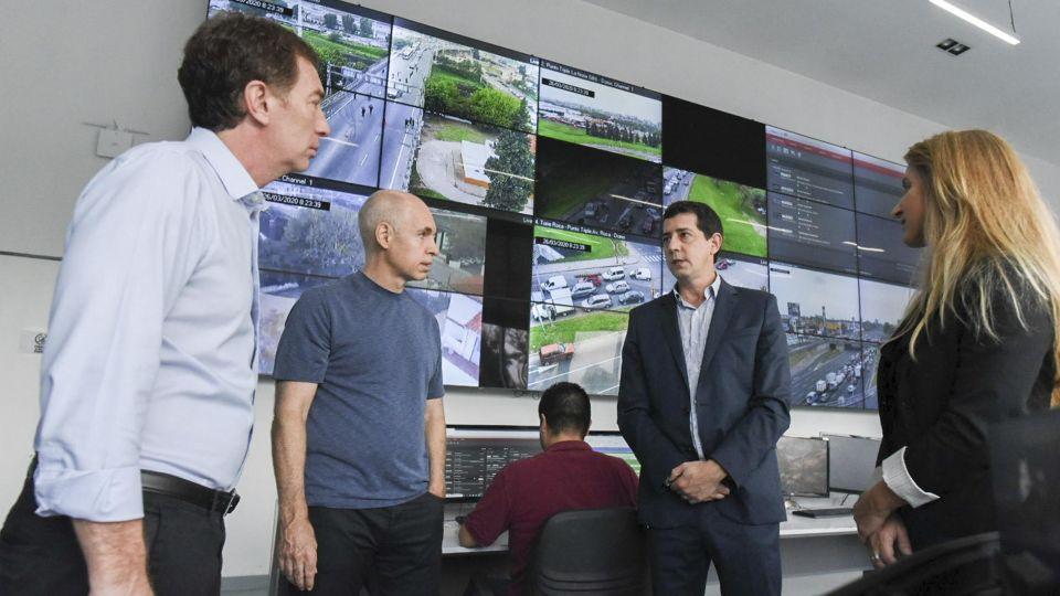 Larreta y Wado de Pedro en el Centro de Monitoreo 20200326