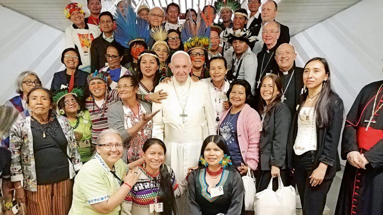 El Papa Francisco con mujeres | Foto:cedoc