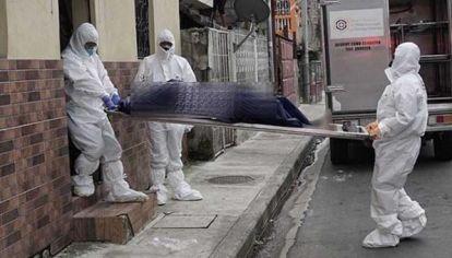 Personas con síntomas de coronavirus mueren en sus casas en Guayaquil