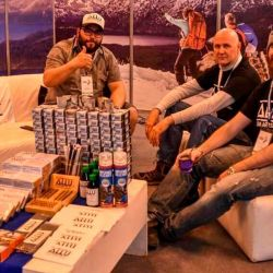 Creada en 2014 por snowboarders, Allu Argentina busca reducir el impacto ambiental de la industria ofreciendo productos más limpios.