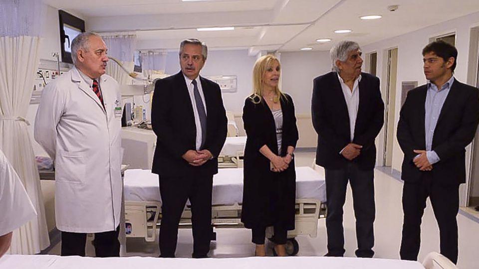 """Alberto inauguró un hospital con elogios al """"inmenso"""" Moyano"""