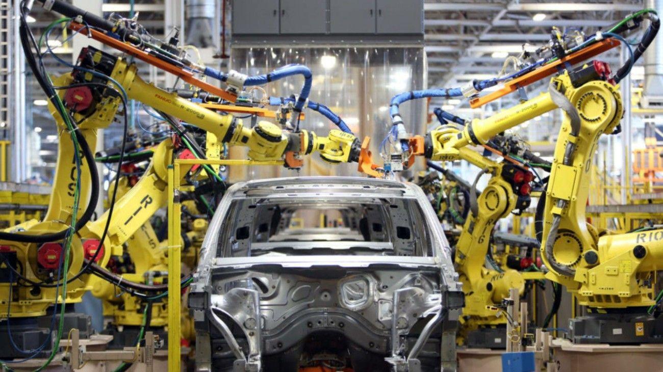 Un informe de KPMG advierte sobre la caída de los ingresos en la industria automotriz mundial y que a partir de julio podría comenzar a producir nuevamente.