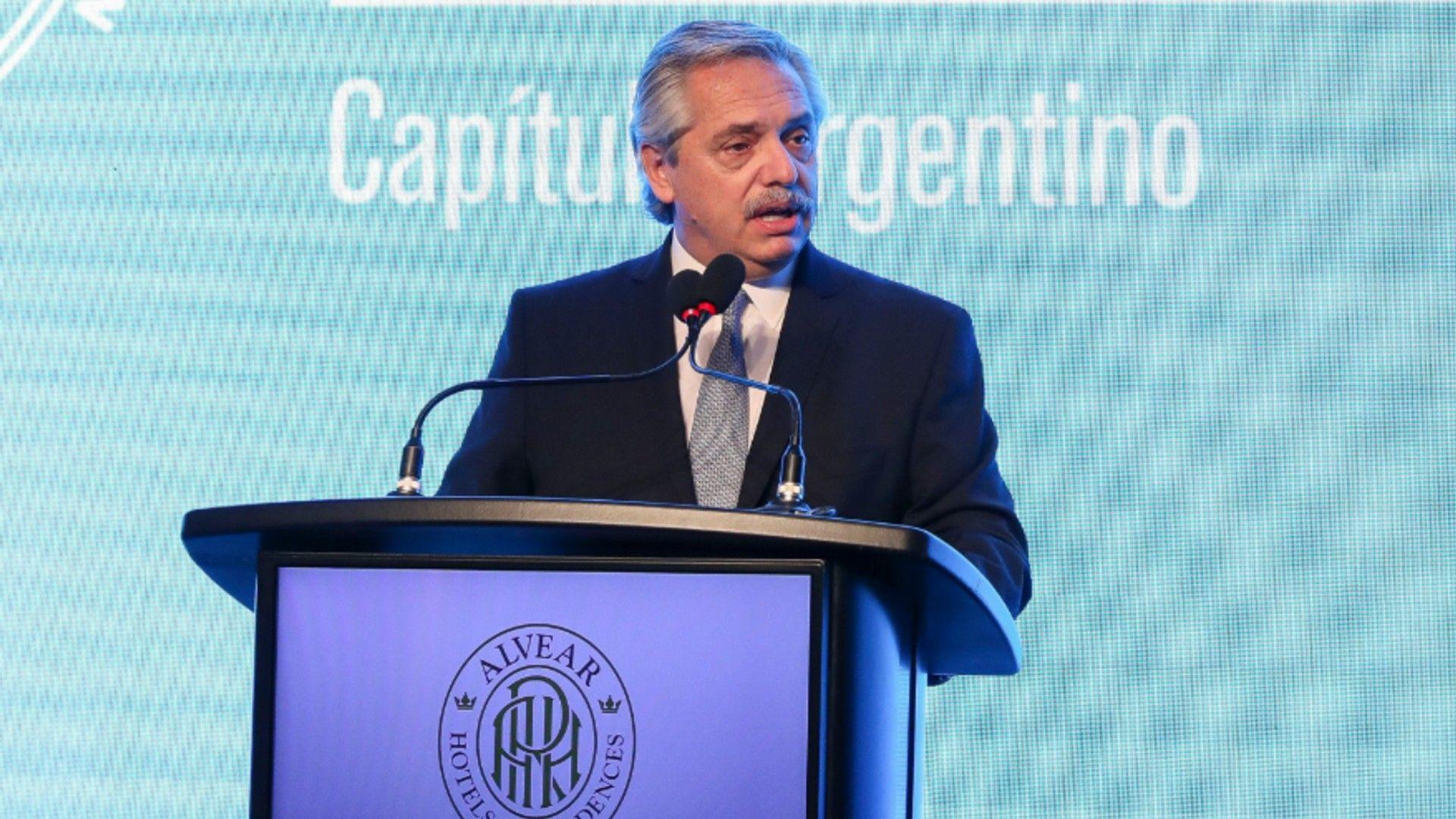 ALBERTO FERNÁNDEZ RECONOCIÓ QUE EL FÚTBOL PUEDE ESPERAR PARA VOLVER A DISPUTARSE EN LA ARGENTINA.