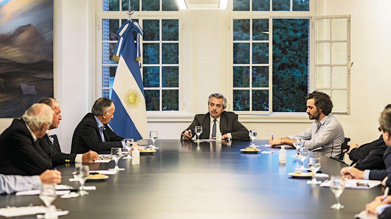 ocupado. Ayer por la tarde Fernández recibió a la UIA e hizo esperar a Miguel Pesce y Alejandro Vanoli.