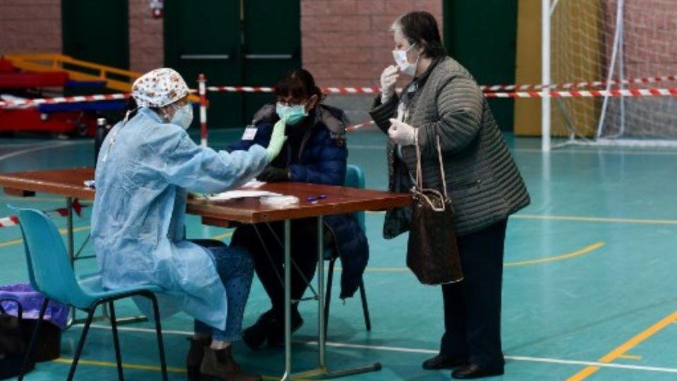 En Italia, la cantidad de muertos por coronavirus superó los 15.300.
