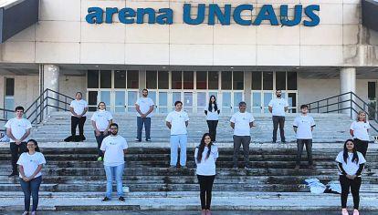 En Chaco. Estudiantes de medicina salen al territorio a hacer encuestas.
