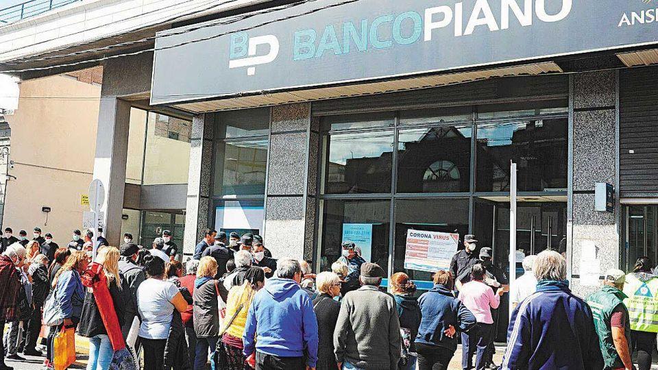 Evitable. El error de concentrar pagos bancarios, aumentado por los opinólogos.