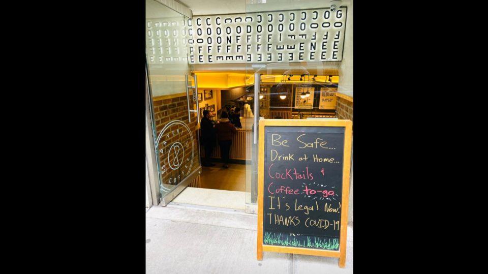 Los bares de Nueva York se reinventan por el coronavirus