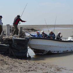 La jornada de pesca da comienzo muy temprano, a las cinco y treinta de la mañana, para salir con la primera marea.