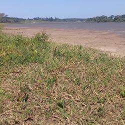 Así se ve el río Paraná a la altura de la localidad correntina de Esquina.