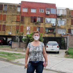 Vistas de la Cuarentena por Coronavirus, controles policiales gente con barbijos | Foto:Sergio Piemonte