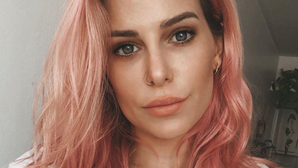 VIDEO   Jenny Williams realizó un impactante cambio de look en su pelo