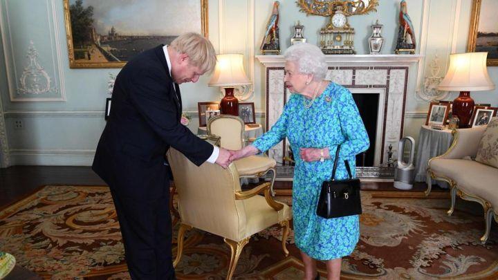 Coronavirus: Isabel II envió un motivador mensaje a Boris Johnson