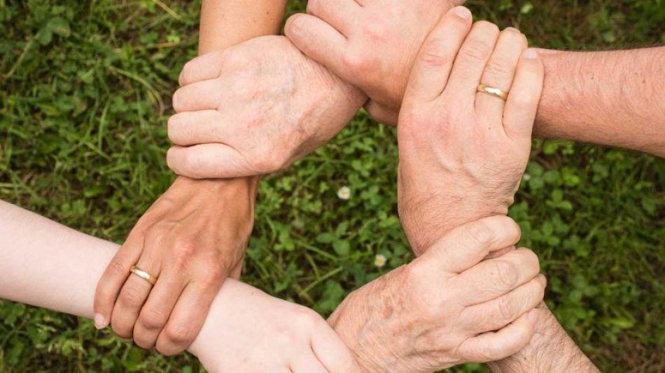 Union manos fuerza equipo trabajo