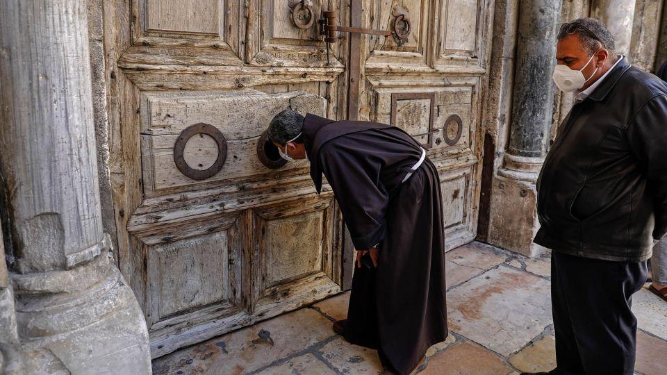 Santo Sepulcro cerrado