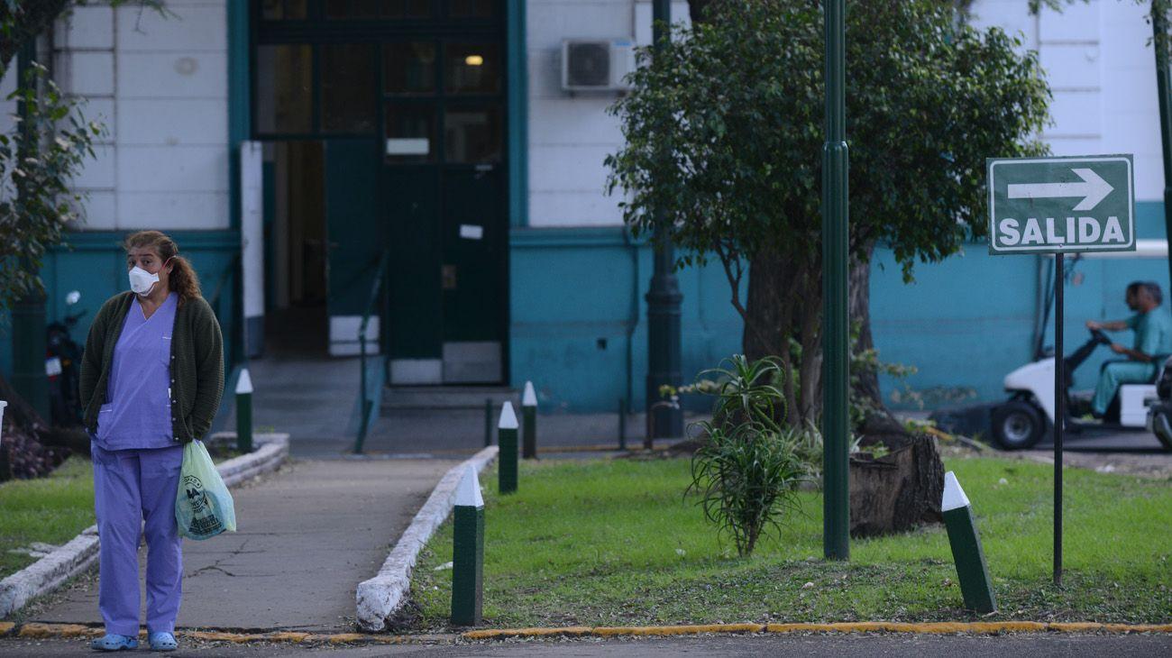 Recorrida por el hospital Muñiz, nuevo pabellón para coronavirus y laboratorio de test de coronavirus