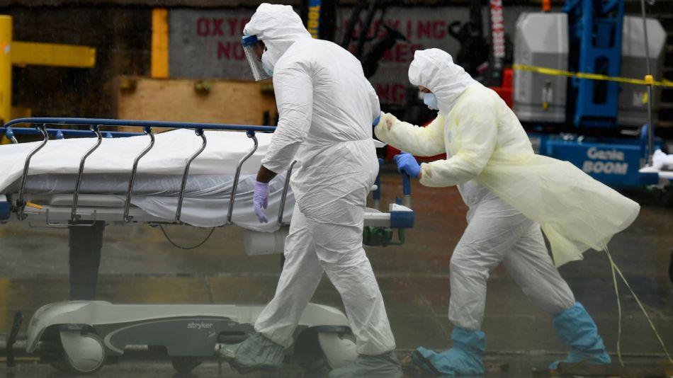 La muerte pro coronavirus en fotos del mundo