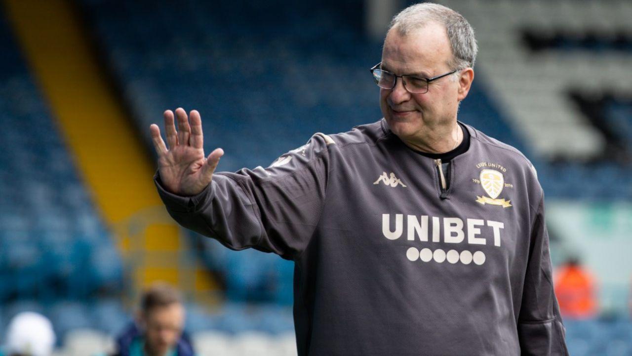 """""""No lo hagas Marcelo"""", el pedido de los hinchas del Leeds a Bielsa en la previa de un partido clave por el ascenso"""