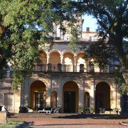 El Palacio Santa Cándida, Monumento Histórico Nacional, nos alojó en una de sus siete habitaciones. Un combo perfecto entre historia y turismo de estancia.