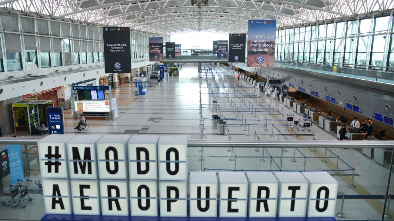 El DNU que cerró el ingreso a los argentinos es el más cuestionado por la oposición