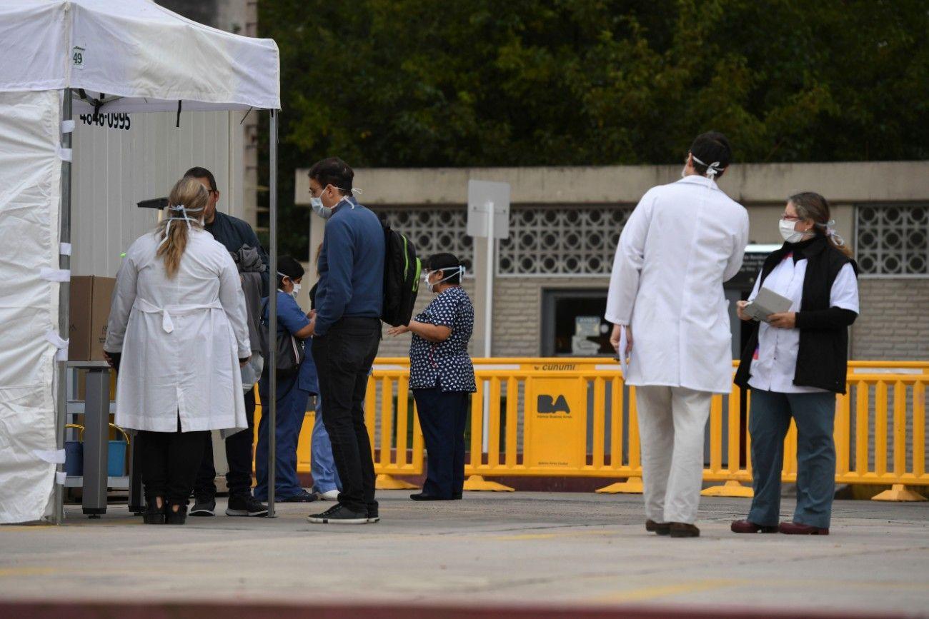Médicos en la primera linea de lucha contra el coronavirus