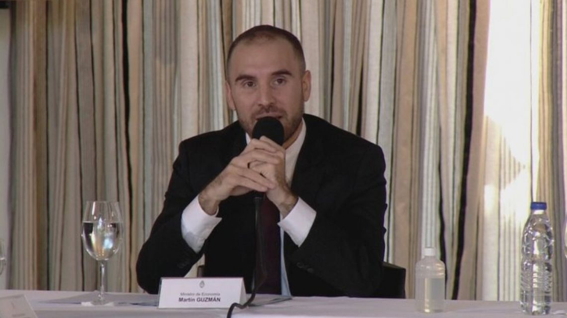 Economy Minister Martín Guzmán announces Argentina's debt offer.